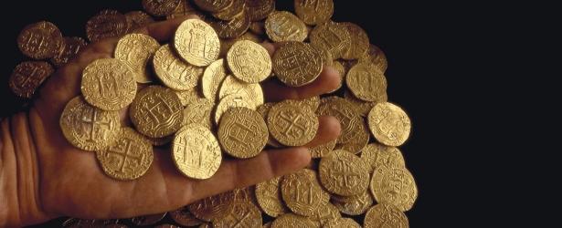 En la foto: moneda de oro española